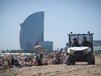 Patrulla de la Unidad de Playas de la Guardia Urbana de Barcelona.