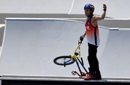 El venezolano Daniel Dhers tras terminar su competencia este domingo en el Parque de Deportes Urbanos de Ariake en Tokio (Japón).