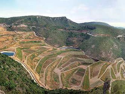 Vista de la restauración paisajística del vertedero del Garraf, de Batlle, Roig y Galí-Izard, que ha ganado el premio del World Architecture Festival en la categoría de reciclaje.
