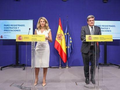 La ministra de Trabajo y Economía Social, Yolanda Díaz, y el ministro de Inclusión, Seguridad Social y Migraciones, José Luis Escrivá, el 2 de julio.