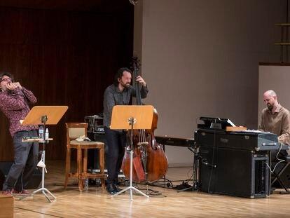 Antonio Serrano (izquierda), Pablo Martín Caminero y Daniel Oyarzábal interpretaban el viernes sus 'Visiones de Bach'.