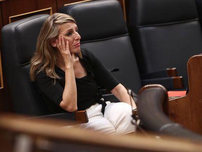La ministra de Trabajo, Yolanda Díaz, durante el pleno celebrado en el Congreso de los Diputados el 10 de junio.