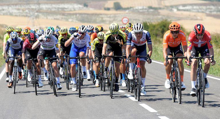 El pelotón, durante la primera etapa de la Vuelta a Burgos.