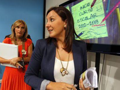 La consejera de Educación, Formación y Empleo, María José Català, ayer en la rueda de prensa de inicio de curso con su equipo.