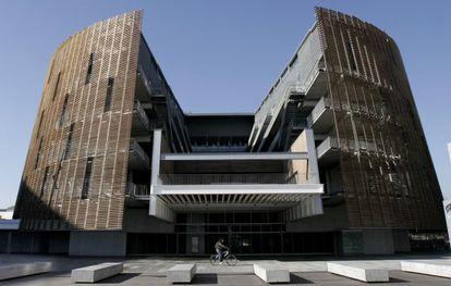 Edificio del Parque de Investigación Biomédica de Barcelona, sede de IAT.