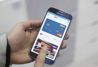 Aplicación de pagos con tarjeta a través del teléfono móvil.