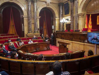 Una imagen de la última sesión plenaria en el Parlament.