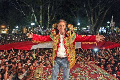 El ex presidente y candidato presidencial peruano Alejandro Toledo durante un mitin de campaña en Huánuco