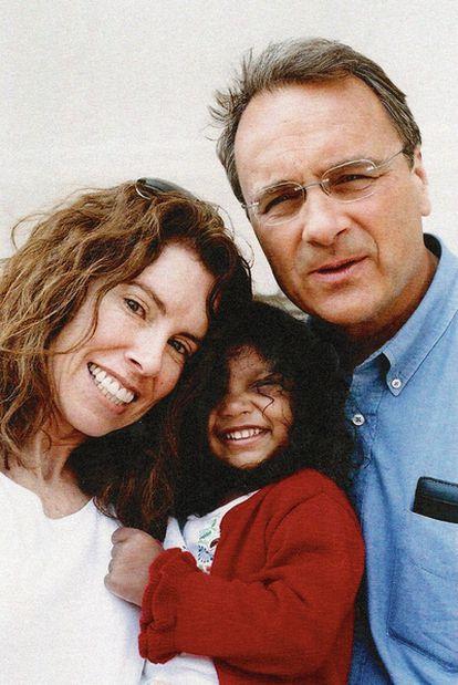 Dayna Baer se pidió excedencia en su trabajo y se hizo abogada; su marido, Robert Baer, dejó la CIA en 1997. Cambiaron de vida y adoptaron a Khyber.