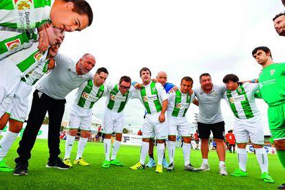 Últimas indicaciones tácticas al Córdoba antes del partido.