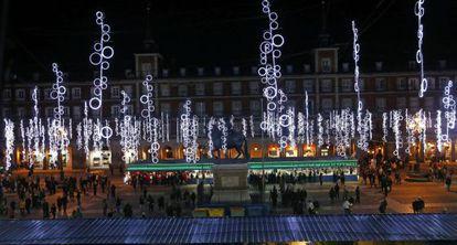 La Plaza Mayor tras el encendido de luces de Navidad.