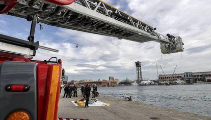 Demostración de los Bomberos en el Puerto de Barcelona