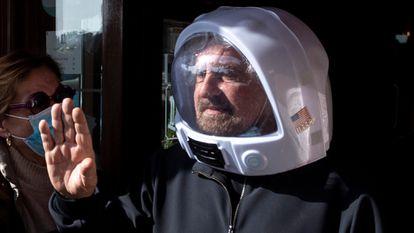 Beppe Grillo salía de un hotel de Roma tras un encuentro del M5S el pasado 28 de febrero.