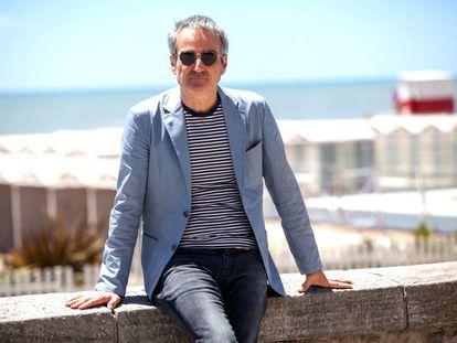 El realizador francés en la Rambla de Mar del Plata.