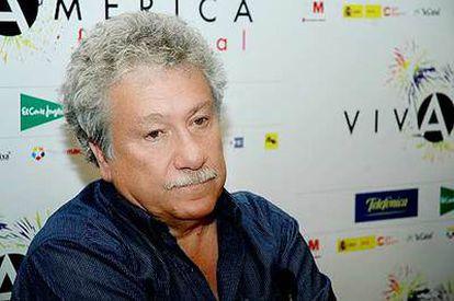 El poeta colombiano Juan Manuel Roca