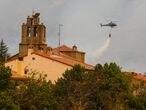 Dvd 1067 16/8/21Incendio forestal en en Gredos. En la imagen, los serivicios de emergencias actuando en Navalmoral de la Sierra (Avila).KIKE PARA.