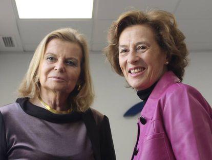 Las escritoras Carme Riera (izquierda) y Julia Navarro, en la rueda de prensa en CEDRO.
