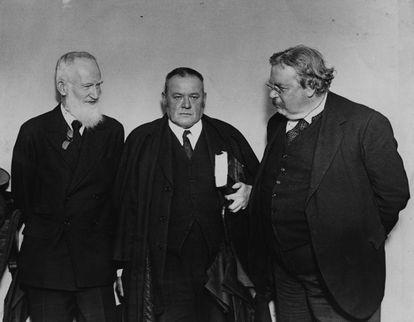 Los escritores George Bernard Shaw, Hilaire Belloc y G. K. Chesterton, en 1927.