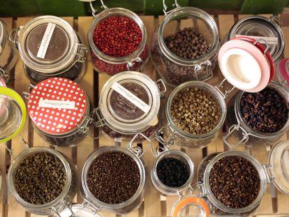 Tarros de pimientas de Black Pepper & Co.