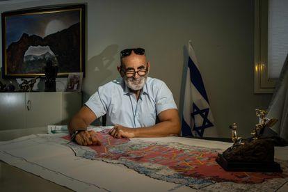 El líder de los colonos de Cisjordania, David Elhaiini, en el valle del Jordán.