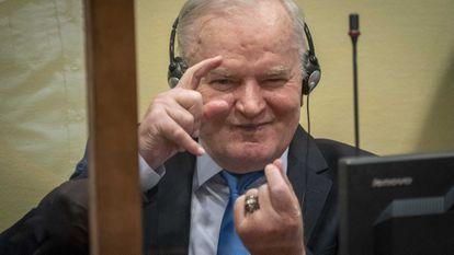 Ratko Mladic, antes del pronunciamiento de la sentencia de apelación en el mecanismo para los Tribunales Penales Internacionales en La Haya, Países Bajos, este martes.