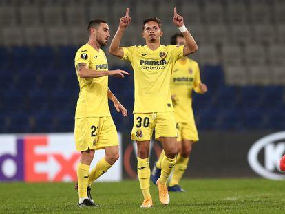 Yeremi Pino celebra su gol en partido de la Europa League contra el Qarabag en Estambul este jueves.