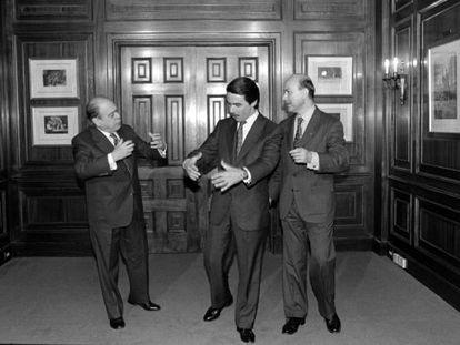 Pujol, Aznar i Duran i Lleida, després de signar l'acord a l'Hotel Majestic.