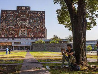 El exterior del campus principal de la UNAM, en Ciudad de México.