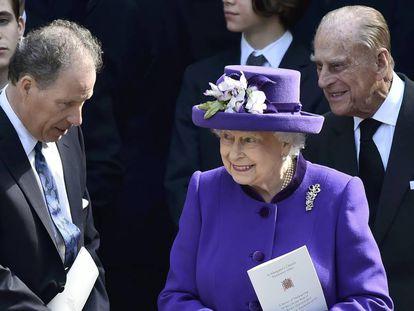 Lord Snowdon, junto a Isabel II y Felipe de Edimburgo, en abril de 2017.