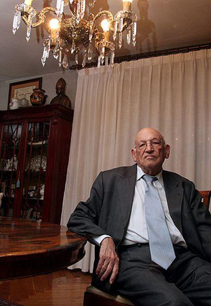 Francisco Rodríguez Adrados.
