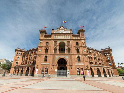 Fachada principal de la plaza de toros de Las Ventas (Madrid).