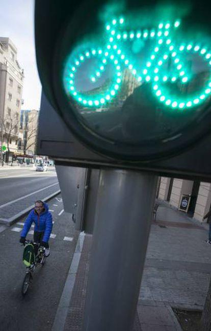 Carril bici en la calle de Alcalá.