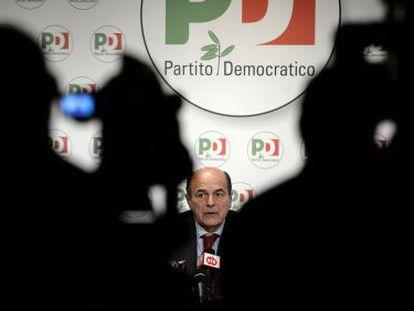 El secretario general del PD, Pier Luigi Bersani, interviene durante una rueda de prensa, el pasado 2 de abril en Roma.
