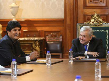 El mandatario mexicano Andrés Manuel López Obrador se reúne con el expresidente de Bolivia Evo Morales en Palacio Nacional el 21 de Octubre.