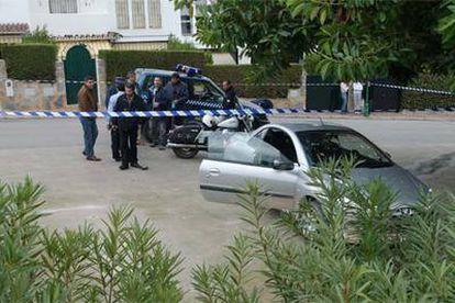 Cordón policial instalado en Marbella tras disparar dos británicos a un agente municipal el pasado año.