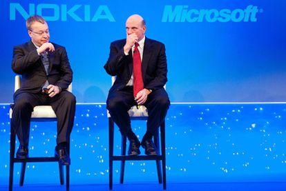 Elop (Nokia) y Ballmer (Microsoft) presentan el pacto entre ambas compañías.