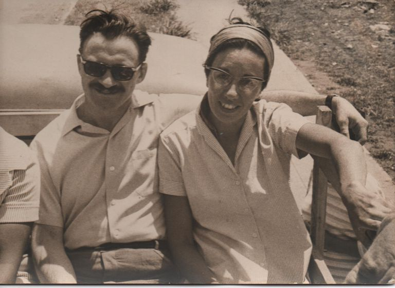 Mario Benedetti con su esposa, Luz López Alegre.