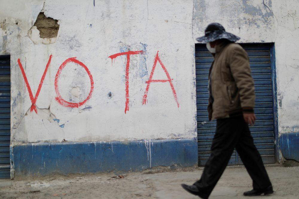 El Gobierno de Bolivia retiene en el aeropuerto de La Paz a un diputado argentino
