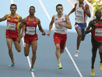 Kevin López, durante su serie de 800 metros.