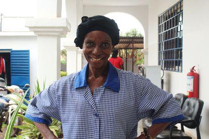 Hawa Thera es asistenta de limpieza en las oficinas de ACH en Bamako capital de Malí.