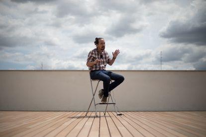 El candidato de Unidas Podemos a la Comunidad de Madrid, Pablo Iglesias, durante una entrevista con EL PAÍS en la sede de Unidas Podemos, este viernes en Madrid.