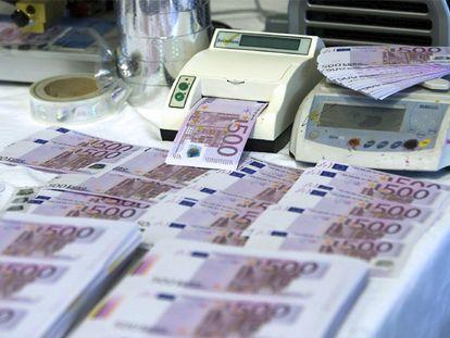 Billetes falsos de 500 euros incautados en Valencia.