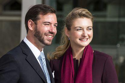 Guillermo de Luxemburgo y la condesa Stéphanie Lannoy a la llegada a la recepción oficial en el Gran Teatro de Luxemburgo.