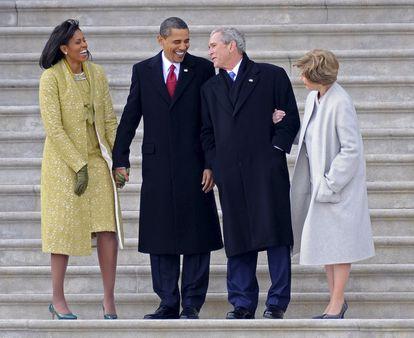 El matrimonio Obama en la toma de posesión de Barack Obama en enero de 2009, junto al matrimonio Bush, saliente de la Casa Blanca.