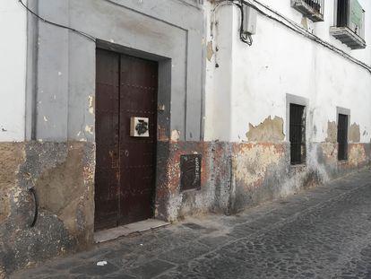 Vivienda de la calle Justicia, en el centro histórico de Jerez de la Frontera (Cádiz), donde una mujer de 57 ha sido presuntamente asesinada este jueves.