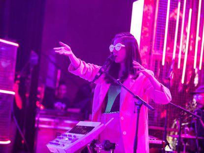 Javiera Mena, durante el concierto en la sala del teatro Barceló el pasado 22 de octubre.