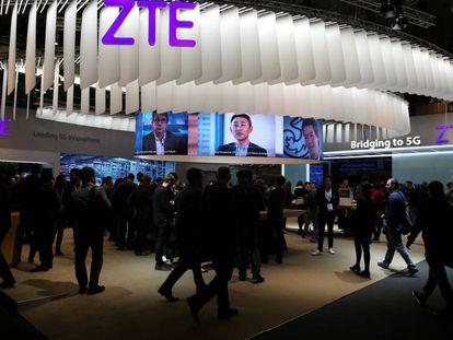 Expositor de ZTE en el Mobile World Congress, en Barcelona, el pasado febrero.
