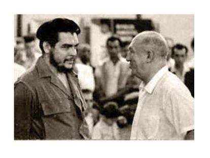 Ernesto 'Che' Guevara con Miguel Najdorf, en La Habana