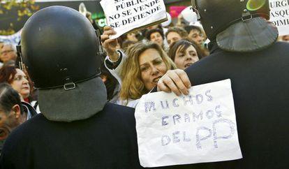 Concentración ante la Asamblea de Madrid.