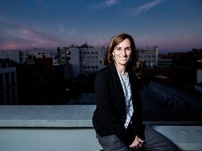 Mónica García, candidata de Más Madrid a la Comunidad de Madrid. en la azotea de EL PAÍS antes de la entrevista.